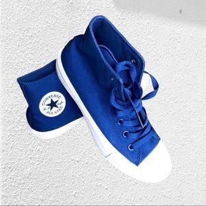 CONVERSE Chuck Taylor hi top sneakers size 38.5